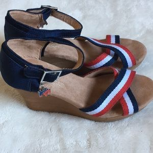 """Toms Americana election wedges """"Rock the Vote"""""""